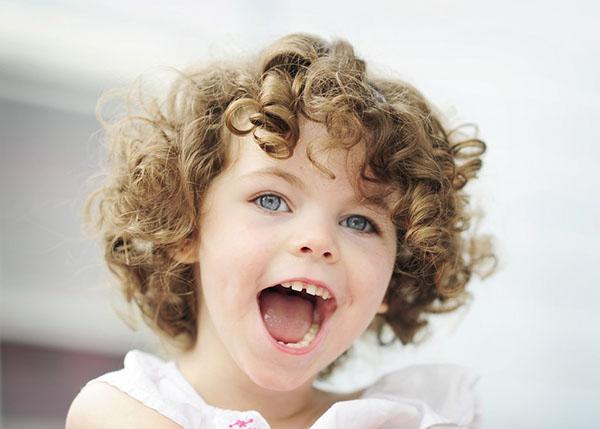 Habitue-se a examinar os dentes de seu filho